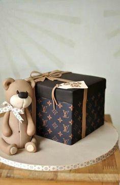 Teddy LV Cake