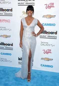 Billboard Awards Red Carpet: 2013 Music Stars Shine In Las Vegas (PHOTOS)