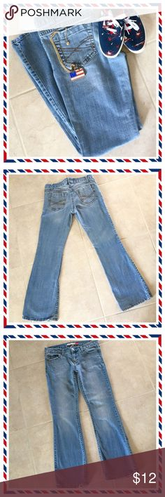 """🌺🌴🌺 AEROPOSTALE JEANS 🌺🌴🌺 🌺🌴🌺 These jeans are in great condition.  They are called the Cassidy skinny flare.  They are 99% cotton and 1% spandex.  They're a nice medium blue wash and have slight distressing on the tops of all pockets, the waistband and the hem as shown in the last photo.  Buttoned waist is: 26"""".  The length from waist band to hem is: 38"""".  Leg opening: 9"""".  The pendant is also for sale. 🌺🌴🌺 Aeropostale Jeans Flare & Wide Leg"""