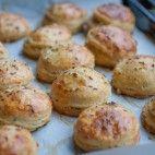 Kváskové pagáče • recept • bonvivani.sk Biscuits, Potatoes, Vegetables, Food, Crack Crackers, Cookies, Potato, Essen, Biscuit