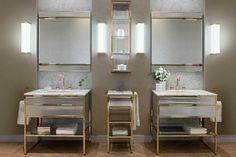 Le style Art déco apporte classe et originalité à la salle de bains. Découvrez nos 5 conseils pour adopter le style Art Déco dans votre salle de bains. Bathroom Vanity Units, Bathroom Furniture, Bathroom Interior, Bathroom Cabinets, Bathroom Vanities, Sink Faucets, Bathroom Remodeling, Italian Bathroom, Italian Furniture Design