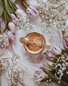 """The Boulevard of dreams"": Fotos Aesthetic Coffee, Aesthetic Food, Pink Aesthetic, Coffee And Books, Coffee Art, Coffee Cups, Coffee Break, Coffee Time, Morning Coffee"