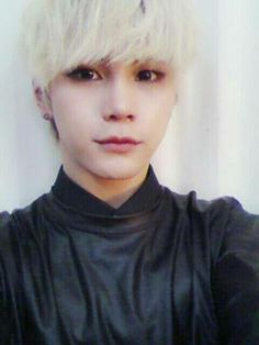 Hansol from Topp Dogg reminds me of Kaneki Ken from Tokyo Ghoul (only in appearance) so I'll put this here.