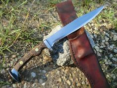Hand Forged Railroad Spike Knife with custom leather sheath BladeSmith Made! Railroad Spike Knife, Railroad Spikes, Knives And Tools, Knives And Swords, Club Weapon, Diy Knife, Blacksmith Projects, Swords And Daggers, Handmade Knives