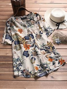 Vintage Flower Printed Short Sleeve V-Neck Plus Size T-Shirt can cover your body well, make you more sexy, Newchic offer cheap plus size fashion tops for women. Plus Size T Shirts, Plus Size Blouses, Plus Size Tops, Plus Size Women, Chic Outfits, Fashion Outfits, Fashion Tips, Fashion Trends, Latest Fashion