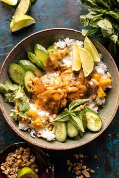 Weeknight Thai Peanut Chicken with Spicy Lime Mango (forgot the pb, would be excellent with tofu! Asian Recipes, Healthy Recipes, Asian Foods, Thai Recipes, Thai Peanut Chicken, Clean Eating, Healthy Eating, Healthy Rice, Healthy Food