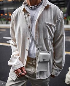 Moda Streetwear, Streetwear Fashion, Stylish Mens Outfits, Casual Outfits, Male Outfits, Boy Fashion, Mens Fashion, Men With Street Style, Aesthetic Clothes