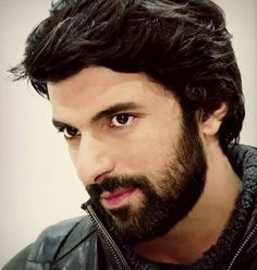 This guy is the most handsome person I will ever see! Series Black, Drama Tv Series, Looking Gorgeous, Beautiful, Hair And Beard Styles, Turkish Actors, Best Actor, Male Beauty, Best Tv