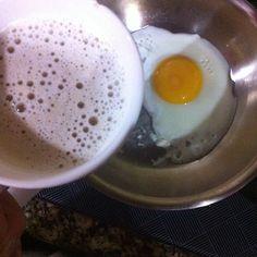 Bom dia! Iniciando o dia com fast food  café e ovo  #LowCarb #Paleo #lchf