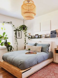 40 gorgeous bedrooms that'll inspire you to redecorate 16 - Minimalist Home - Bedroom Room Interior, Interior Design, Simple Interior, Interior Painting, Interior Livingroom, Diy Interior, Kitchen Interior, Minimalist Bedroom, Minimalist Furniture