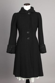 Small 30s-40s Vintage T.L. Martin Black Wool Coat w/ Persian Lamb Fur Collar & Cuffs. A lovely, high quality vintage coat with a beautifully slimming silhouette!  $190 via eBay