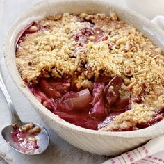 Alevere Rhubarb Crumble 1 Meal Serving Ingredients • ½ packet Vanilla Dessert • ½ packet Hazelnut Oatmeal • 2 storks of Rhubarb • 5 tsp Sweetener • 15mls Fat Free Greek Yoghurt •Squeeze of lemon juice •Preheat oven to 180°c. Wash a chop the rhubarb to 3inch pieces. Place in oven proof dish with lemon juice and sweetener. Roast for 30-40mins, until soft and juicy. •Mix the two ½ packets of Vanilla Dessert and Hazelnut Oatmeal, and cool water a little at a time until you get a crumbly