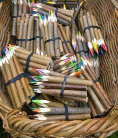 Värikyniä Texture, Random, Wood, Crafts, Surface Finish, Manualidades, Woodwind Instrument, Timber Wood, Wood Planks