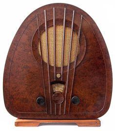 "mote-historie: "" Philips Bakelite Radio 1933 Made in Holland Art Deco """