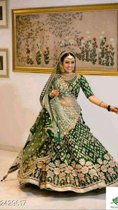 Lehenga Choli Wedding, Designer Bridal Lehenga, Indian Bridal Lehenga, Party Wear Lehenga, Indian Bridal Outfits, Indian Bridal Wear, Bridal Dresses, Dress Wedding, Indian Dresses