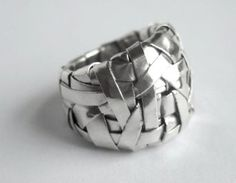 Gurgel-Segrillo - woven series ring band, in fine silver