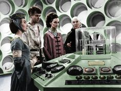 A colorization of my second-favorite First Doctor TARDIS team I did First Doctor, Good Doctor, Original Doctor Who, Dr Who Companions, Doctor Who Costumes, Paul Mcgann, Sci Fi Tv Series, William Hartnell, Classic Doctor Who