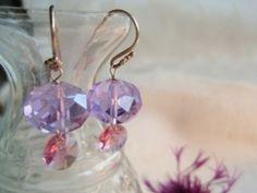 Fred og krystal fra ann wei design. Se mere i webshop www.annweidesign.com Peace and crystal earrings - see www.annweidesign.com
