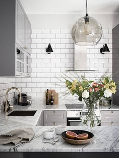 New kitchen interior design ideas Kitchen Tiles, Kitchen Colors, Kitchen Flooring, New Kitchen, Kitchen Modern, Kitchen White, Modern Kitchens, Kitchen Countertops, Marble Countertops