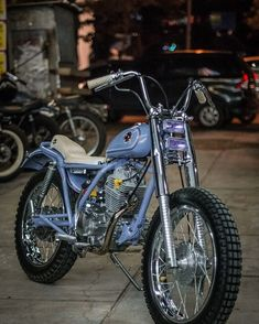 Image may contain: motorcycle and outdoor - Motocycle Pictures and Wallpapers Vintage Bikes, Vintage Motorcycles, Custom Motorcycles, Custom Bikes, Cars And Motorcycles, Triumph Motorcycles, Honda Tiger, Honda Cub, Custom Motorcycle Parts