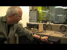 Paul Reed Smith demos the PRS SE50