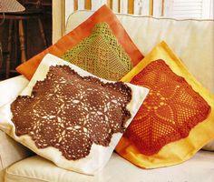 CROCHE COM RECEITA: Almofadas em crochê no tecido