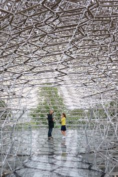 "Forty-four tons of aluminum was just transported and installed at London's Kew Gardens, a beehive-inspired structure produced by the artist Wolfgang Buttress in partnership with designer and engineer Tristan Simmonds. ""The Hive"" was originally built as a centerpiece for the UK Pav"