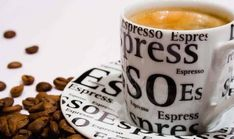 Many Italians call espresso a romantic kind of coffee and it's easy to see why. The nature of espresso is such that it doesn't take a whole lot to fill you up. Best Espresso Machine, Cappuccino Machine, Espresso Coffee, Best Coffee, Coffee Time, Coffee Coffee, Italian Espresso, Starbucks Coffee, Morning Coffee