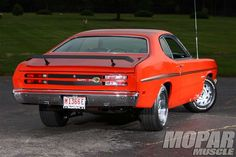 At first glance this 1970 Plymouth Duster 340 looks plain and simple, in other words, stock. Old American Cars, American Muscle Cars, Rat Rods, Mopar, Muscle Magazine, Plymouth Duster, Plymouth Cars, Sweet Cars, Us Cars