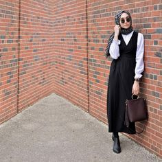 For those who love classical dressing with minimal touches - Hijab Clothing Street Hijab Fashion, Muslim Fashion, Work Fashion, Modest Fashion, Fashion Dresses, Modest Dresses, Modest Outfits, Nice Dresses, Casual Hijab Outfit