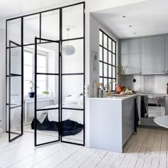 Chic Glass Partition Design Ideas For Your Living Room Modern Studio Apartment Ideas, Apartment Interior Design, Modern Interior Design, Room Interior, Studio Apartment Kitchen, Small Apartment Design, Contemporary Apartment, Contemporary Interior, Interior Paint