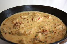 Kyckling i persiljesås Fika, Chicken Recipes, Chicken Meals, Lchf, Cheeseburger Chowder, Risotto, Soup, Yummy Food, Ethnic Recipes