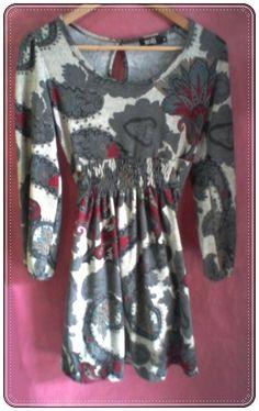 Vestido con estampado de manga larga con bolsillos laterales y cuello redondo. composición 95% poliester 5% expandex. Talla única (M).  http://www.aleko.kingeshop.com/Vestido-con-estampado-dbbacaiBb.asp