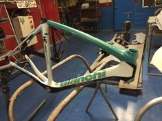 We repaired the crack on top tube, we now painted the top tube to blend in with rest of this Bianchi Oltre Frame, we will prepare top tube for decal applications and final clear coat another in progress repair underway at CarbonWork for the month of August 2016