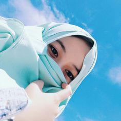 Muslim Baby Girl Names, Muslim Girls, Beautiful Hijab Girl, Beautiful Muslim Women, Hijab Niqab, Muslim Hijab, Hijab Outfit, Niqab Fashion, Muslim Fashion