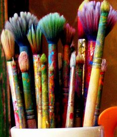 I was in an art studio in San Diego's Balboa Park and saw a terrific collection of brushes.