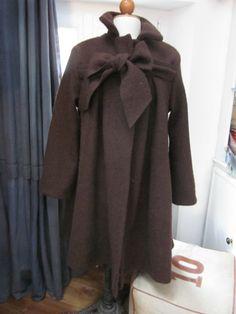Manteau AGLAE en laine bouillie chocolat fermé par un noeud (2)