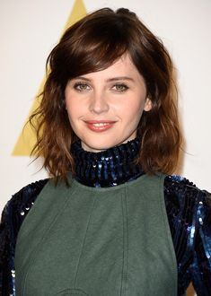 Felicity Jones' Side-Swept Waves - The Most Gorgeous Hairstyles From Our Favorite Celebrities - Photos