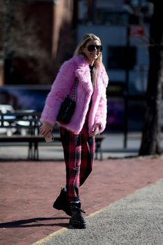 The Best Street Style Looks From New York Fashion Week Fall 2019 New Yorker Street Style, New York Fashion Week Street Style, New York Style, Autumn Street Style, Street Style Looks, Street Fashion, Fashion Essentials, Fashion Tips, Fashion Design