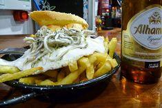 TABERNOMAQUIA-PETISQUEIRA-choricitos-G Patatas Guisadas, Tapas Bar, Cheesesteak, Hamburger, Chicken, Eat, Ethnic Recipes, Food, Secret Places