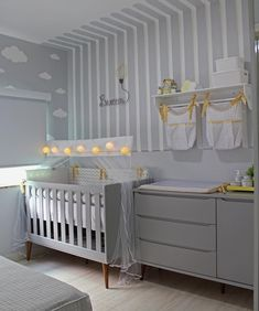 Baby room shelf: 70 models and tutorials to decorate - Baby room shelf: 70 templates and tutorials to decorate Baby room shelf: 70 templates and tutorials - # Baby Nursery Decor, Baby Bedroom, Baby Boy Rooms, Baby Decor, Nursery Room, Kids Bedroom, Small Baby Nursery, Baby Room Shelves, Baby Room Design