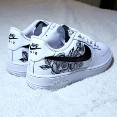 White Nike Shoes, Nike Air Shoes, Black And White Shoes, Nike Custom Shoes, Custom Painted Shoes, Nike Shoes For Sale, Hand Painted Shoes, Shoes Sport, Sports Shoes