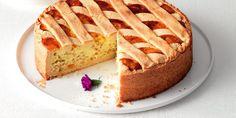 Vuoi realizzare la vera pastiera napoletana? Scopri la ricetta originale e segui tutti i passaggi per un risultato ricco di gusto e tradizione: ricotta, frolla, acqua di fiori d'arancio, grano cotto... una ricetta fantastica!
