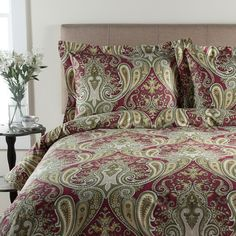 Grand Collection 300-Thread Count Sateen Crystal Paisley Duvet Cover... ($55) ❤ liked on Polyvore featuring home, bed & bath, bedding, duvet covers, red, queen pillow shams, king size duvet sets, queen duvet set, king size bedding and king duvet cover set