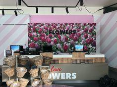 #winkelinrichting #keukenhof #achterwand #freesletters #flowers #tulpen #tulips #interieur #inrichting #blsreclame