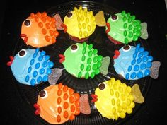 The Briggs Family: Fishy Cupcakes! Fishing Cupcakes, Kid Cupcakes, Animal Cupcakes, Birthday Cupcakes, Cupcake Icing, Cupcake Wars, Cupcake Toppers, Easy Cake Decorating, Decorating Ideas