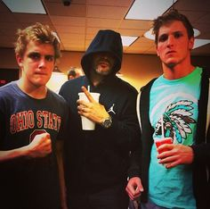They come to the mall near me all the time Logan Jake Paul, Cute Guys, Youtubers, Brother, Memories, Mall, People, Outfits, Memoirs