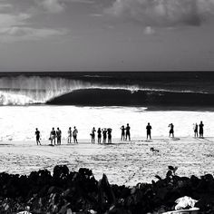 Wherever you end up this weekend, hopefully it looks something like this. Banzai Pipeline, photo: @morganmaassen