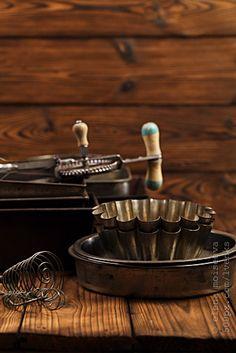 vintage baking tins + pans | bakeware