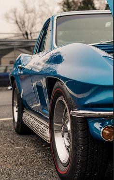 Classic Vette with Redlines